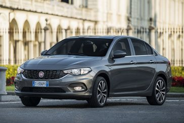 fiat-TIPO-lounge-4door-gray-familycar-gallery-06-desktop-580x390